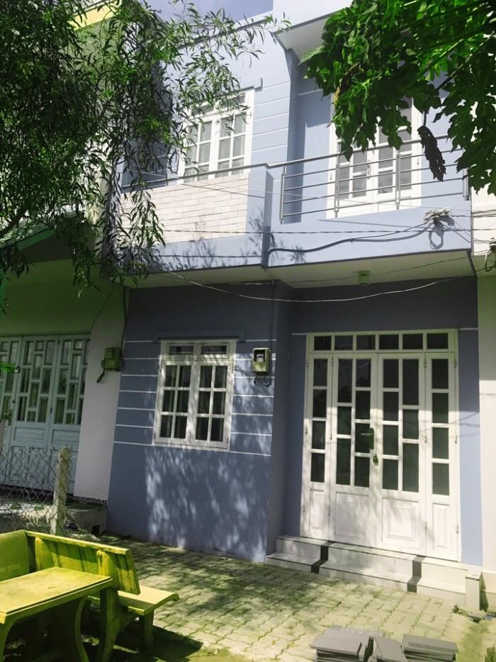 Bán nhà riêng 32 m2, ngang 4m, đường Lê Văn Lương sổ hồng riêng.