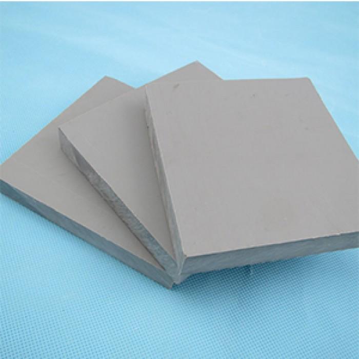 Đặc tính nhựa tấm PVC (Poly Vinyl Chloride) xanh ghi0