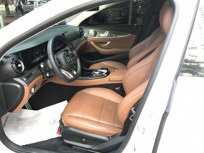 Mercedes-Benz E300 sản xuất năm 2017 Số tự động Động cơ Xăng