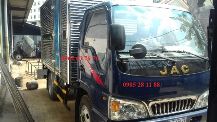 Xe tải trả góp - xe tải jac 2t4 thùng kín 7