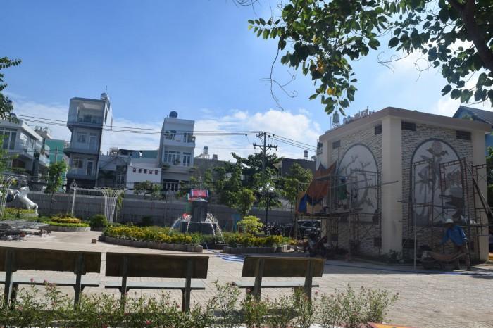 Nhà phố thương mại góc hai  mặt tiền đường Tiện KD buôn bán