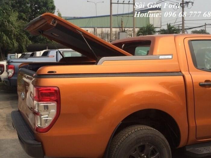 Khuyến mãi mua Ford Ranger Wildtrak 2019, số tự động, màu cam, giao xe trong 30 ngày.