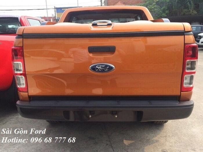 Khuyến mãi mua Ford Ranger Wildtrak 2019, số tự động, màu cam, giao xe trong 30 ngày. 5