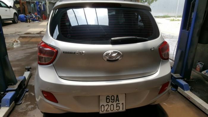 Bán Hyundai Grand i10 1.2AT nhập khẩu 2015 màu ghi bạc số tự động