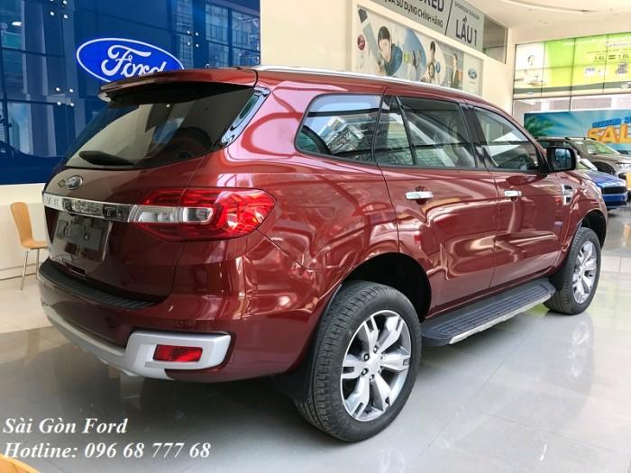Mua xe Ford Everest 2019, 7 chỗ, số tự động, màu đỏ, giao xe trong 30 ngày