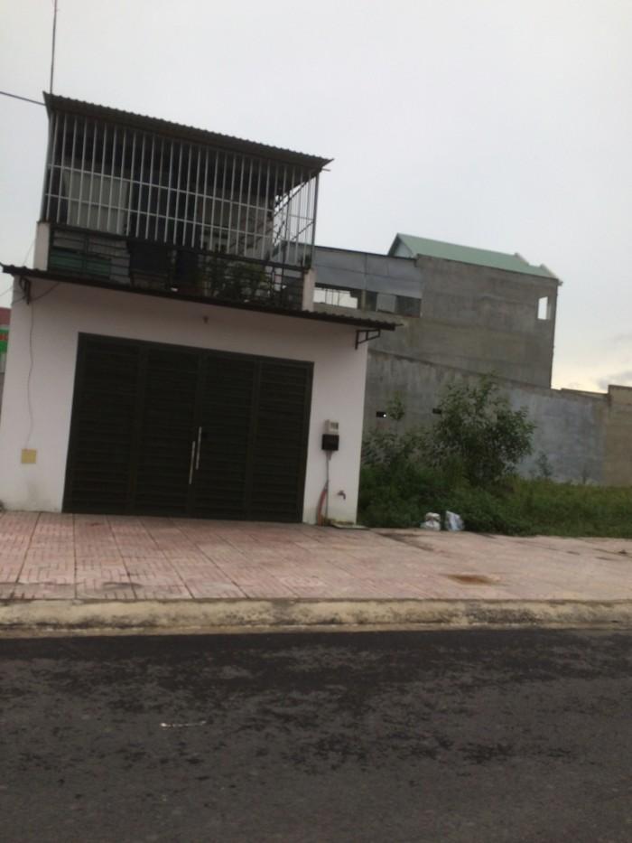 Nhà ở trên đường Thị Trấn Tân Hiêp, Hóc Môn.
