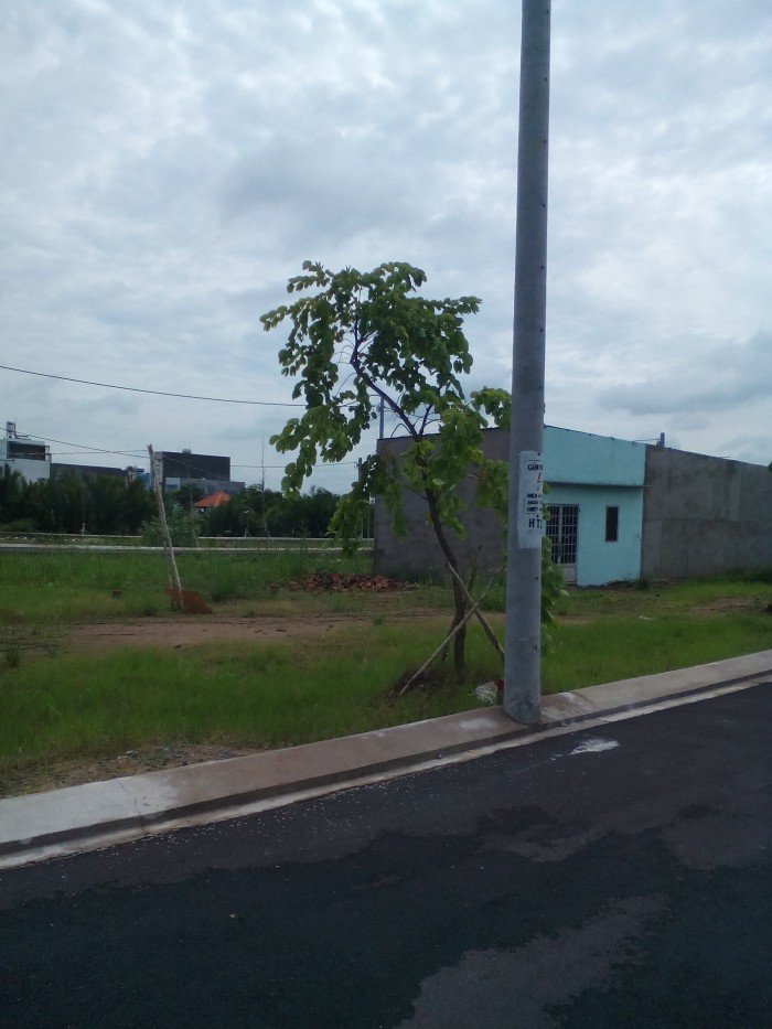 Chính chủ cần bán lô góc 2 mặt tiền gần đại học Giao Thông Vận Tải quận 9, 108m2