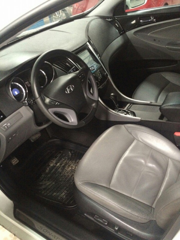 Bán Hyundai Sonata 2.0AT nhập Hàn Quốc 2011 màu trắng số tự động 0