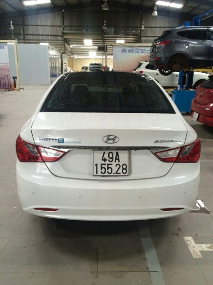 Bán Hyundai Sonata 2.0AT nhập Hàn Quốc 2011 màu trắng số tự động 5