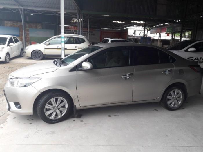 Bán Toyota vios  E 1.5MT màu hồng phấn biển SG 2015 2