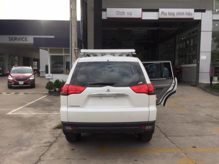 Mitsubishi Pajero Sport sản xuất năm 2016 Số tay (số sàn) Dầu diesel