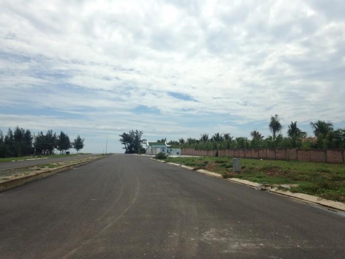 Bán Nhanh Lô Ngã Tư Đường Trường Sa Cách Bãi Tắm Công Cộng 200M