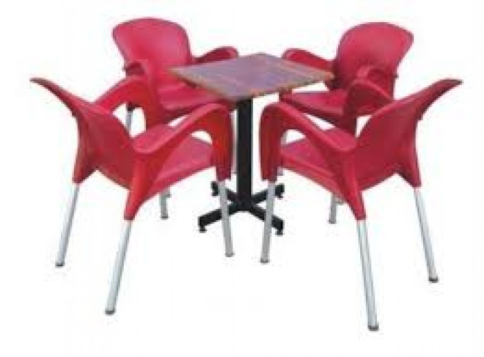 Cần thanh ý gấp số lượng lớn bàn ghế cafe nhiều loại (ghế nhựa đúc,nhựa giả mây)0