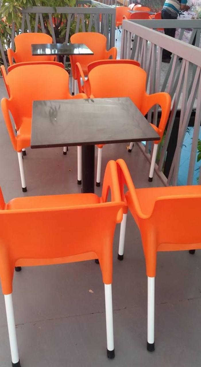 Cần thanh ý gấp số lượng lớn bàn ghế cafe nhiều loại (ghế nhựa đúc,nhựa giả mây)1