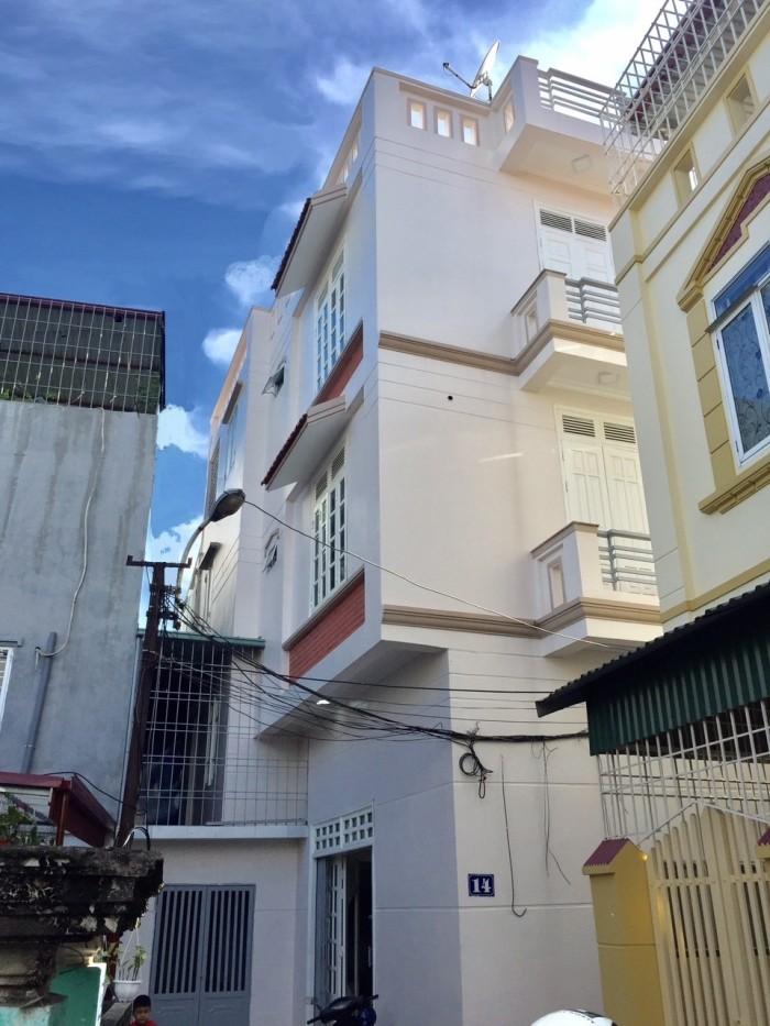 Nhà 4 tầng độc lập có sân cổng, ngay gần mặt đường Thiên Lôi cầu Rào 2, ĐN