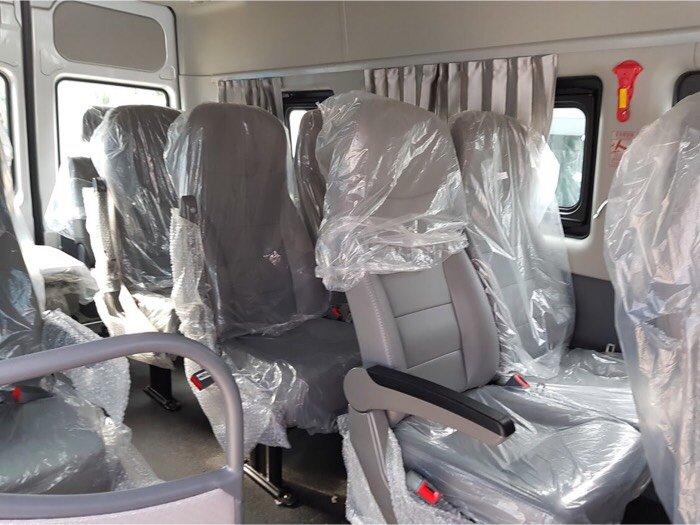 Xe du lịch 16 chổ nhập khẩu đầu vuông.Xe du lịch Transit 16 chổ.