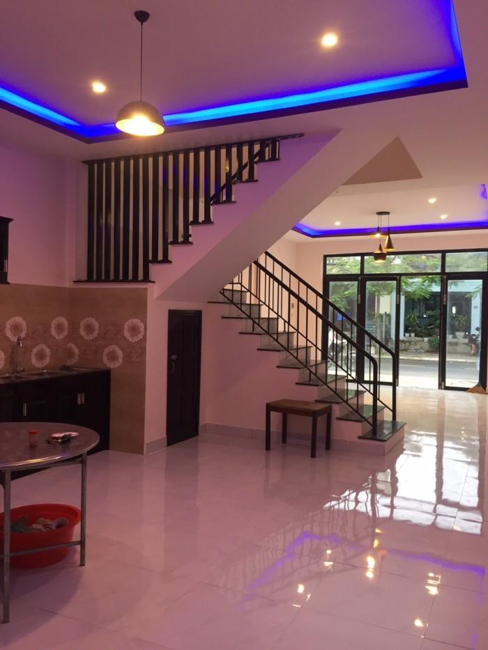 Bán nhà đẹp 2 tầng trung tâm quận Ngũ Hành Sơn, cách khu du lịch Non Nước Đà Nẵng 400m