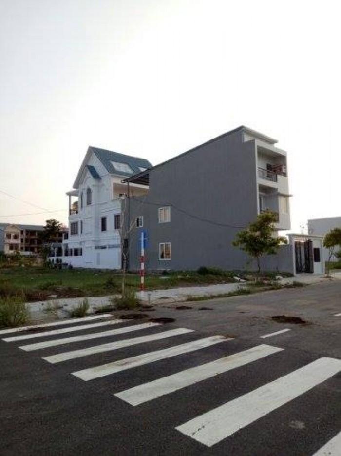 Cần tiền bán gấp đất cạnh bến xe trung tâm Đà Nẵng, thích hợp làm kho xưởng.Giá rẻ