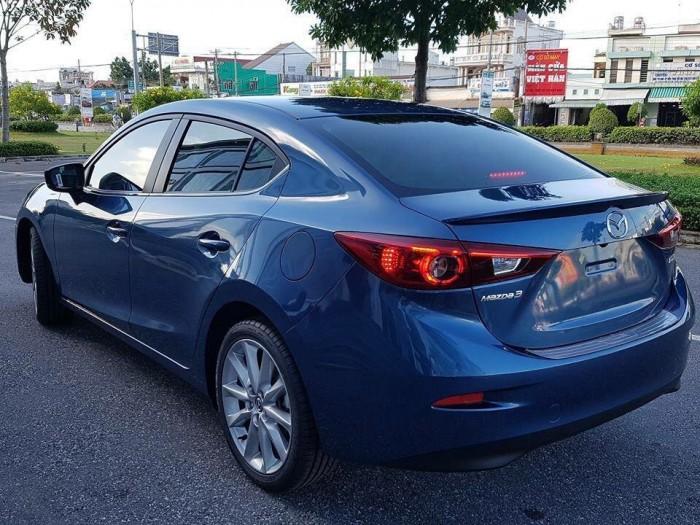 Ưu đãi Mazda 3 FL 2018 - Tặng bảo hành lên đến 5 năm 3