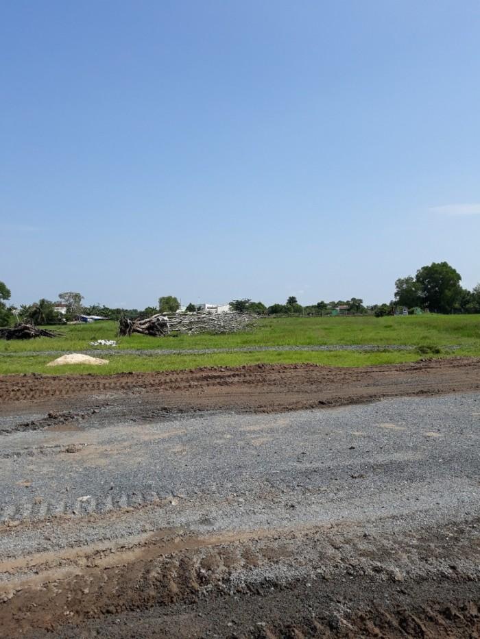 Cần bán gấp lô đất nằm trên đường Đặng Công Bỉnh