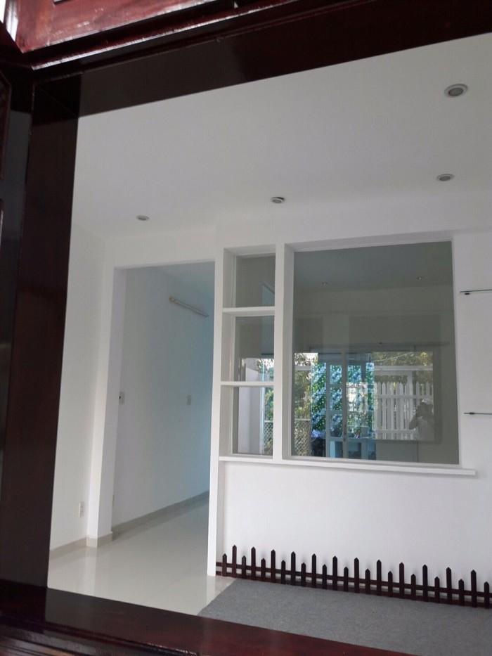 Nhà 4x10m, 1 lầu, cách 1 căn góc là tới, giá