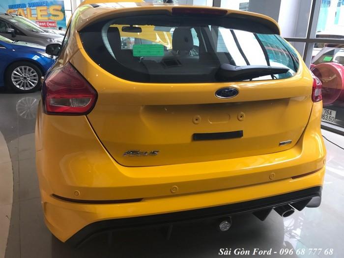 Ford Focus Trend 2019, số tự động, màu vàng, giao xe trong 30 ngày. 2