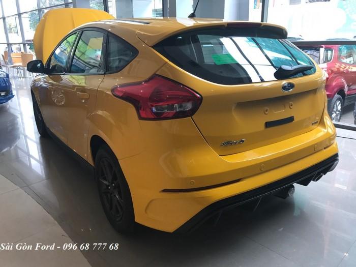 Ford Focus Trend 2019, số tự động, màu vàng, giao xe trong 30 ngày. 4