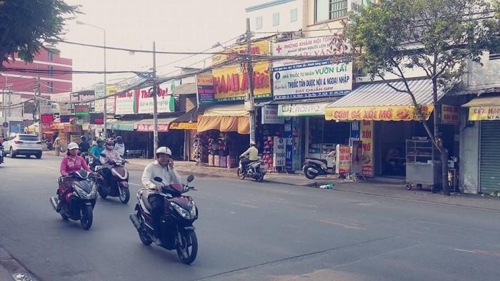 Cho thuê nhà mặt tiền ngang 12m đường Thoại Ngọc Hầu, Quận Tân Phú