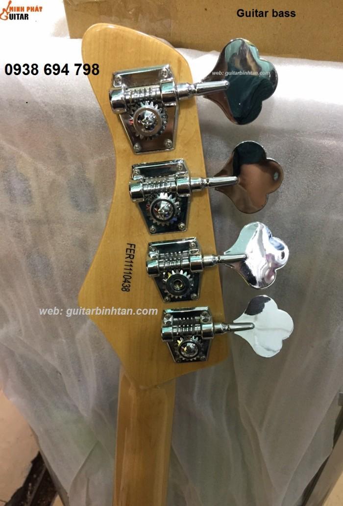 Acoustic bass guitar4