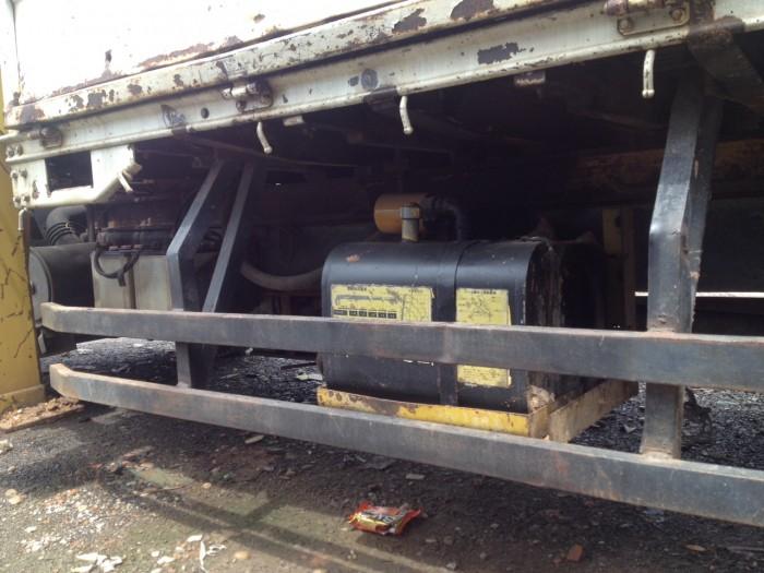 Xe cẩu cũ isuzu 1t9 đời 2008 thùng 4m3 gắn cẩu gấp 3