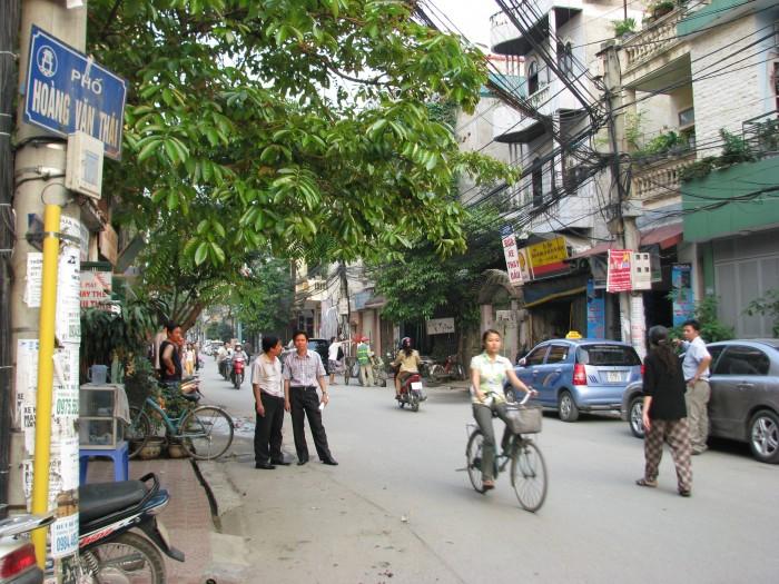 Bán nhà mặt phố Hoàng Văn Thái, ngõ ô tô sau nhà, 60m2x 4 tầng