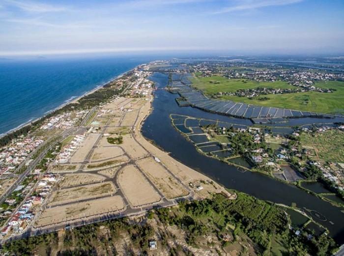 Đất bán cách mặt sông 100m giá 4tr/m2 bao sổ - cách TTTM 50m.