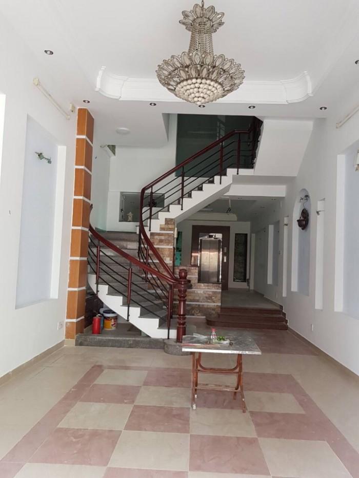 Bán gấp nhà vị trí MT kinh doanh đường Giải Phóng phường 4 quận Tân Bình.