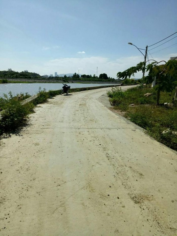 Bán 2 lô tái định cư view sông Tắc thôn Thủy Tú - Vĩnh Thái - Nha Trang giá rẻ sát bên biệt thự mới xây