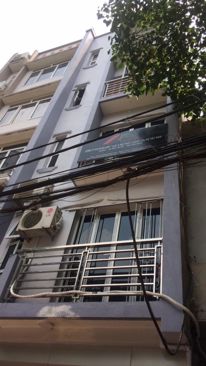 Cho thuê văn phòng 35m2  tại 116 Nhân Hòa Nhân Chính