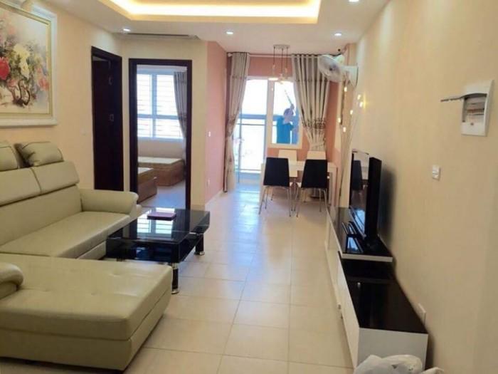 Cho thuê nhà tầng ngõ 80 Chùa Láng:  60 m2.