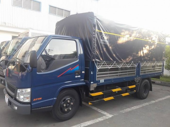 Xe tải 2,4 tấn Hyundai Iz49 Đô Thành. Giá xe tải 2,4 tấn Hyundai. Giao xe ngay. 1