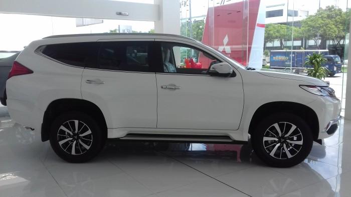 Mitsubishi All New Pajero 4x4 AT (nhập khẩu Thái)