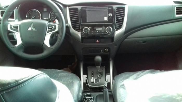 Bán tải Mitsubishi Triton 4x4 AT MIVEC