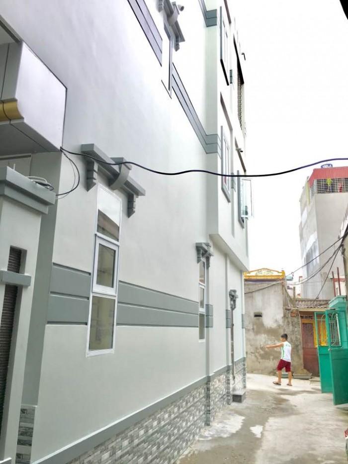Bán nhà riêng 3 tầng mới, xây tâm huyết, chắc chắn, 52m2, sân cổng rộng, ô tô đỗ cửa, Trần Nguyên Hãn