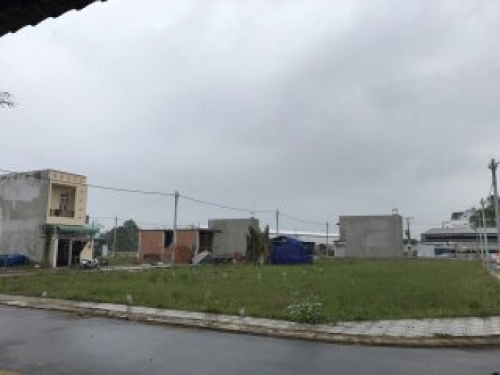 Bán lô đất ngay KCNC Samsung 58m2, sổ riêng, xây tự do