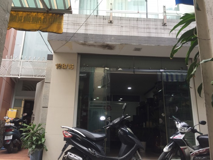 Cần bán nhà ngay trung tâm thành phố HCM