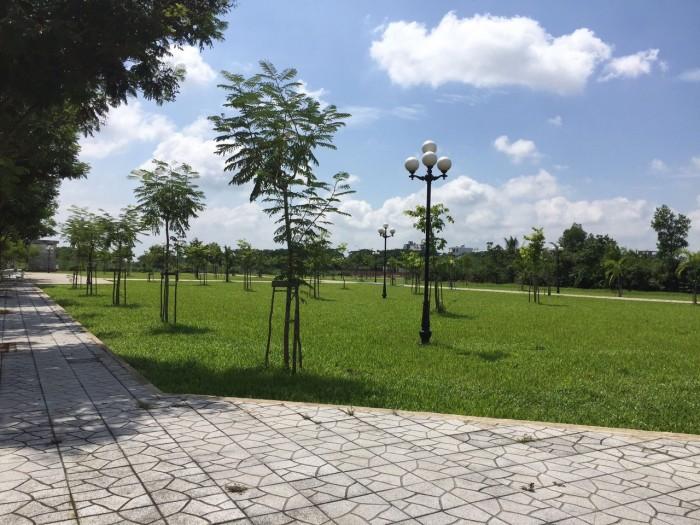 Ngan hang BIDV-ban 10 lo dat,ngay TT Quan2,(120m),da co so rieng tung nen, MT duong 20m