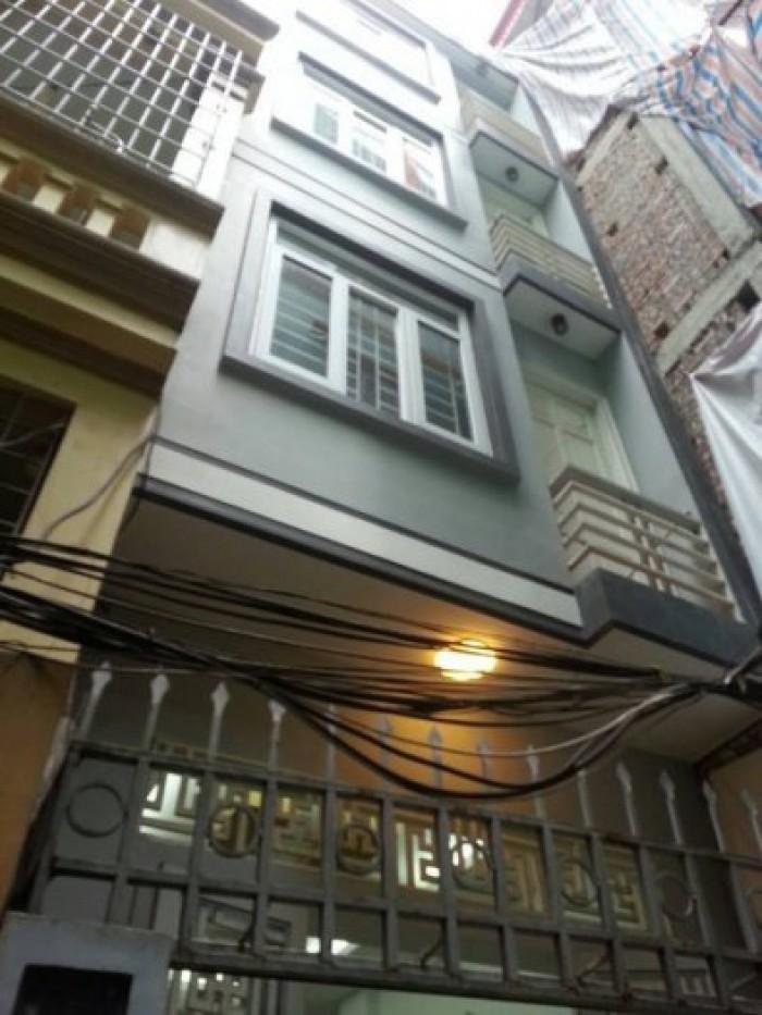 Nhà đẹp ở liền 3 lầu đúc đường Trần Phú, P4, Q5