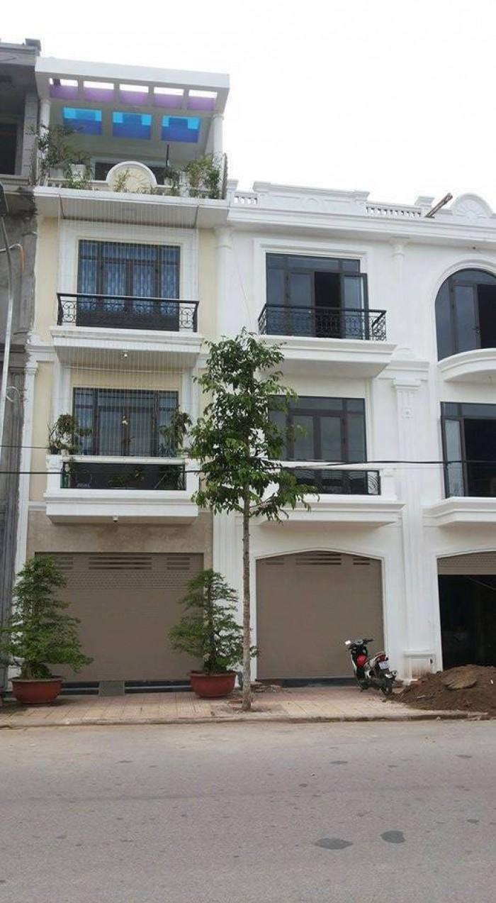 Bán nhà tại Petro Thăng Long