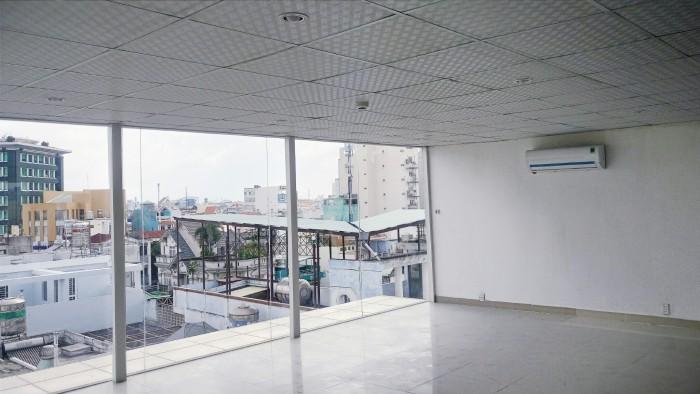 Văn phòng 158 Trần Huy Liệu giao Hoàng Văn thụ.