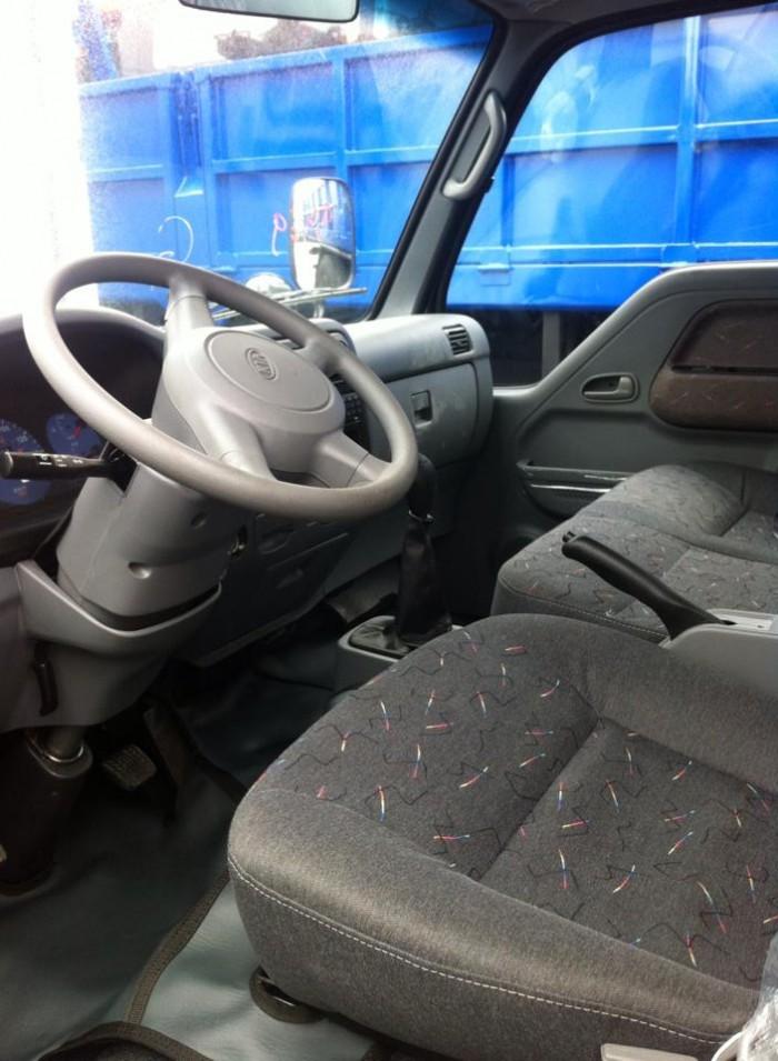 Thaco Kia K165 tải 2,4 tấn với các option thùng lửng, thùng mui bạt, thùng kín 3
