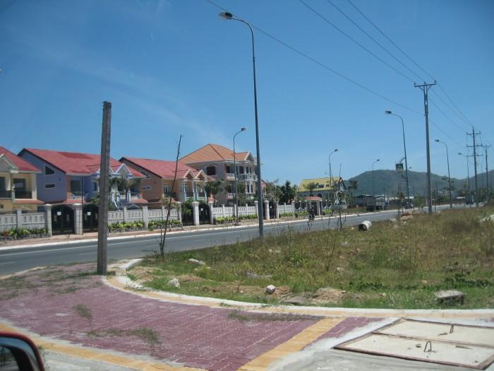 Đất đường Song Hành Q2 cực đẹp 5x20m lk Lakeview City