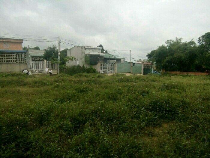 Đất chợ Tân Phước Khánh 620tr