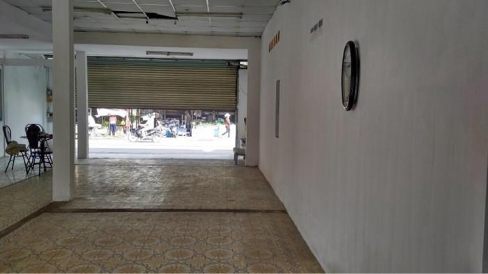 Cho thuê nhà MT Nguyễn Duy Trinh, Q.2, (DT: 14x35m, trệt).